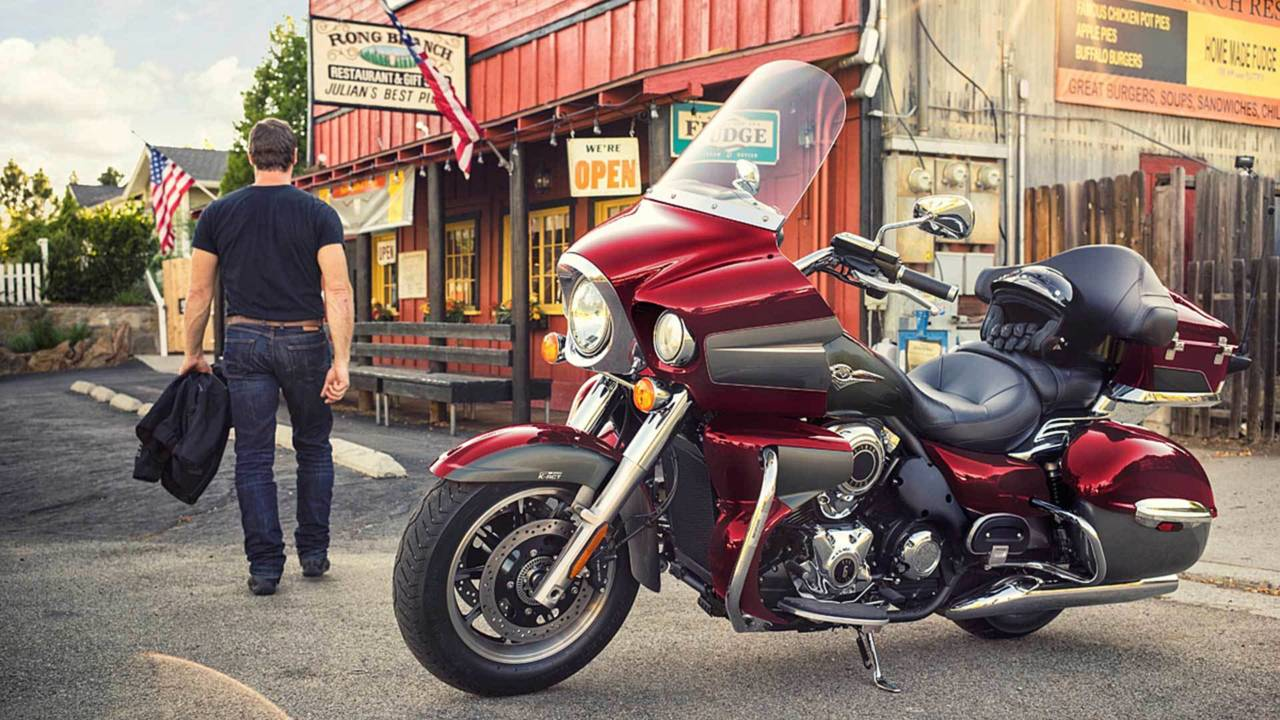 V-Twin Tourer Less Expensive Option: Kawasaki Vulcan 1700 Voyager