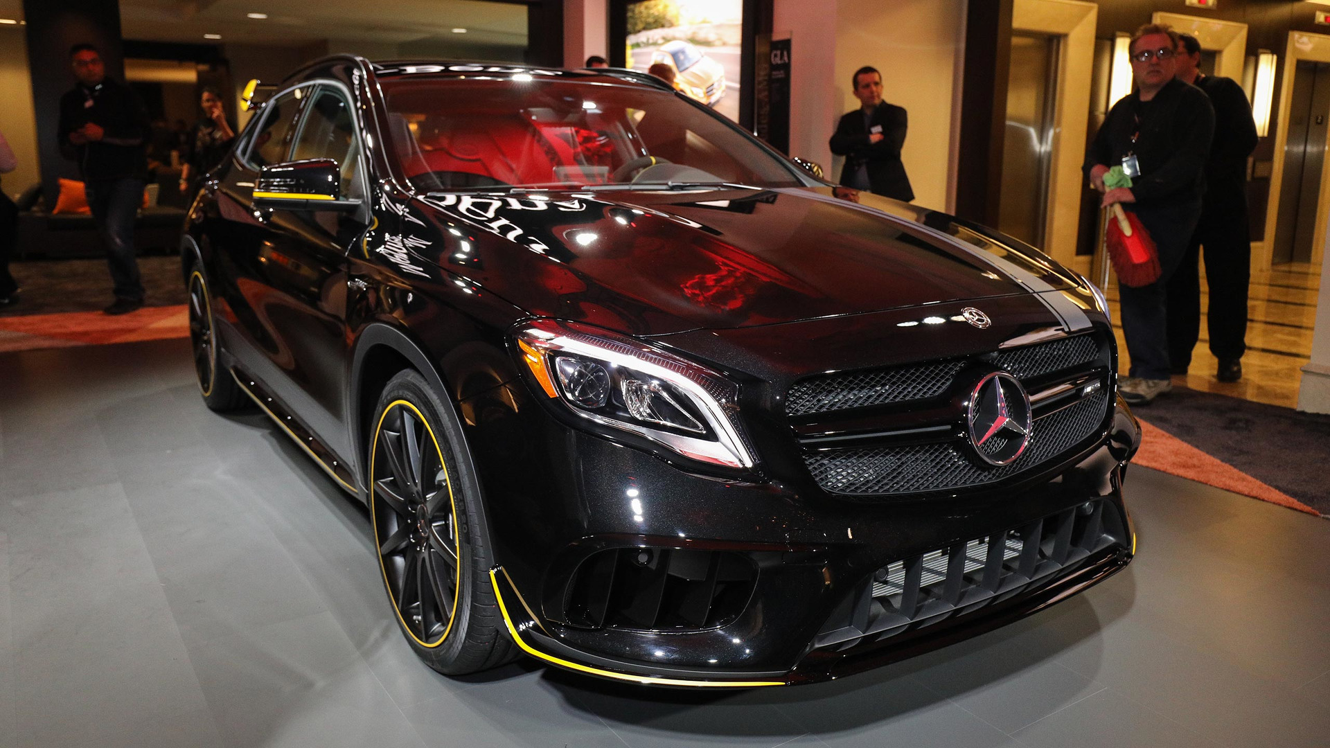 Mercedes Amg Gla45 Shows Off Sporty New Performance Package