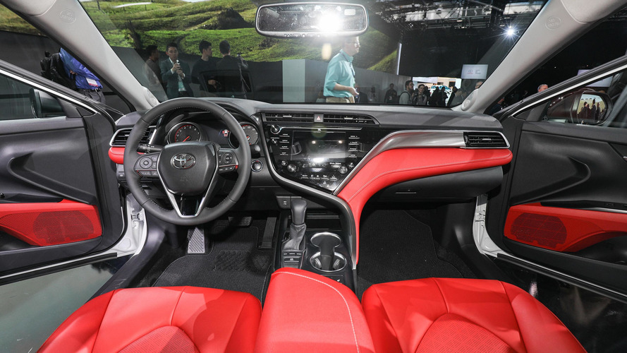 2018 Toyota Camry Introduces Aggressive Design New Engines