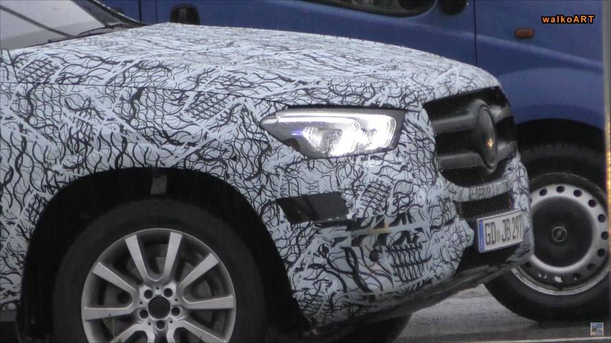 Mercedes-Benz GLE spy shot