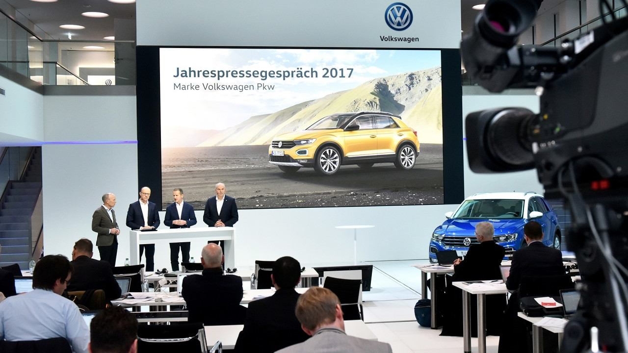 [Copertina] - Volkswagen, il 2017 è un anno record per vendite e guadagni