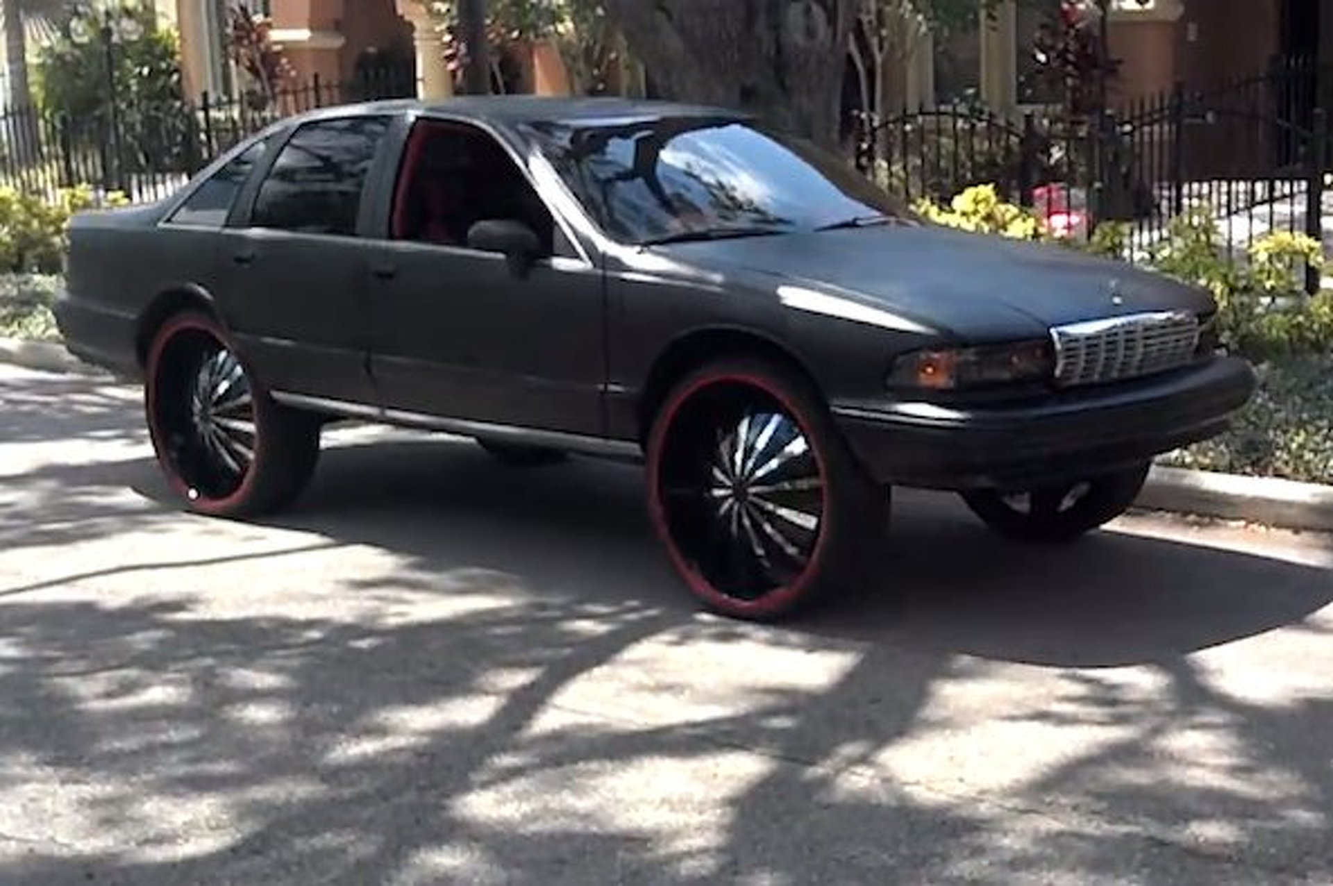 Patriots RB LeGarrette Blount's Redonkulous Lifted Chevy Caprice [w/videos]
