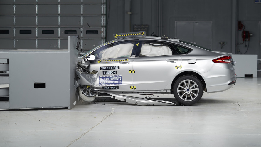 2017 Ford Fusion IIHS Crash Test