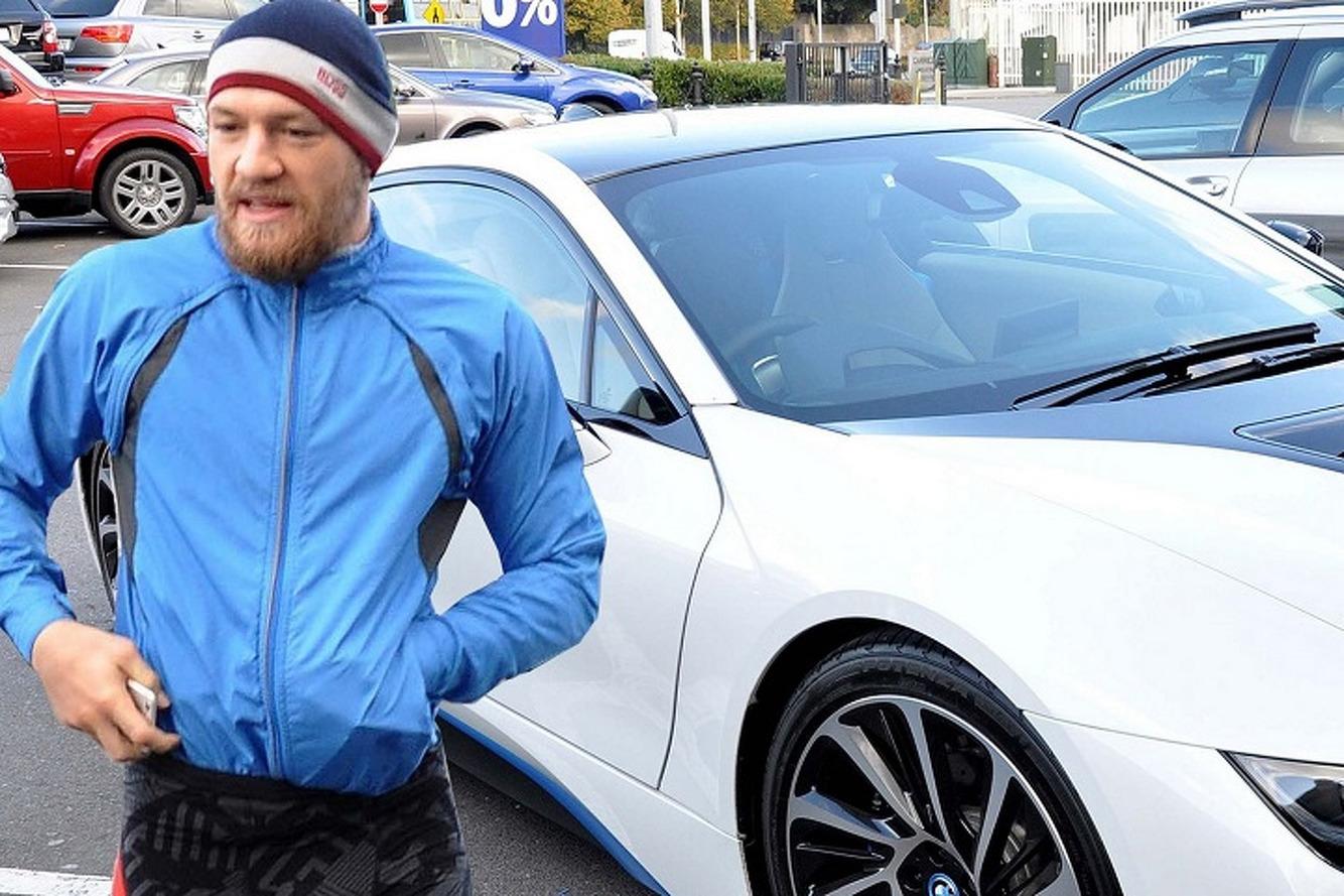 Конор Макгрегор потратил 450 тысяч долларов на 2 новые машины
