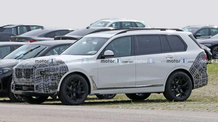 BMW X7 yeni ön yüzüyle casuslara yakalandı