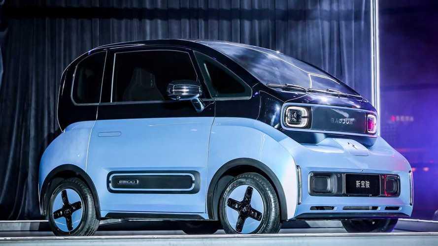 Mini carro elétrico com tecnologia Xiaomi estreia a preço de popular