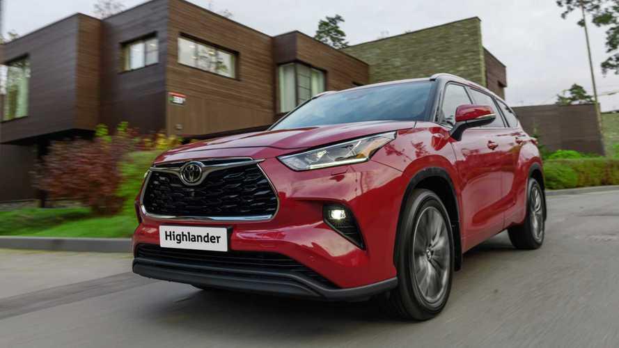 Новый Toyota Highlander оценили в рублях