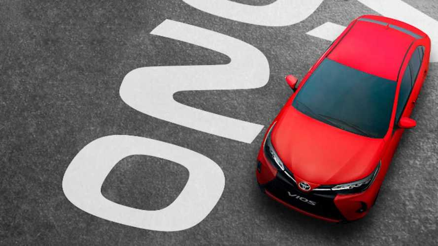 Novo Toyota Yaris 2021 mostra dianteira com facelift em inédito teaser