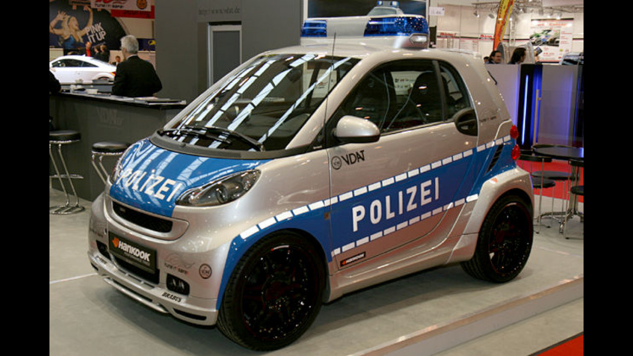 Brabus Smart von Tune It! Safe! in Polizeifarben
