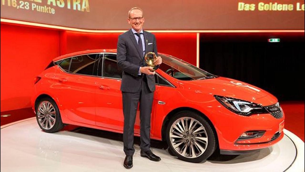 """[Copertina] - Opel Astra vince il premio """"Volante d'Oro 2015"""""""
