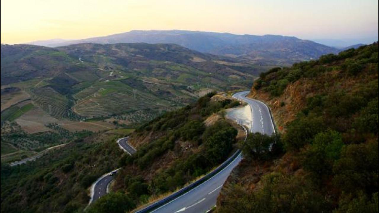 [Copertina] - La strada più bella del mondo? E' in Portogallo