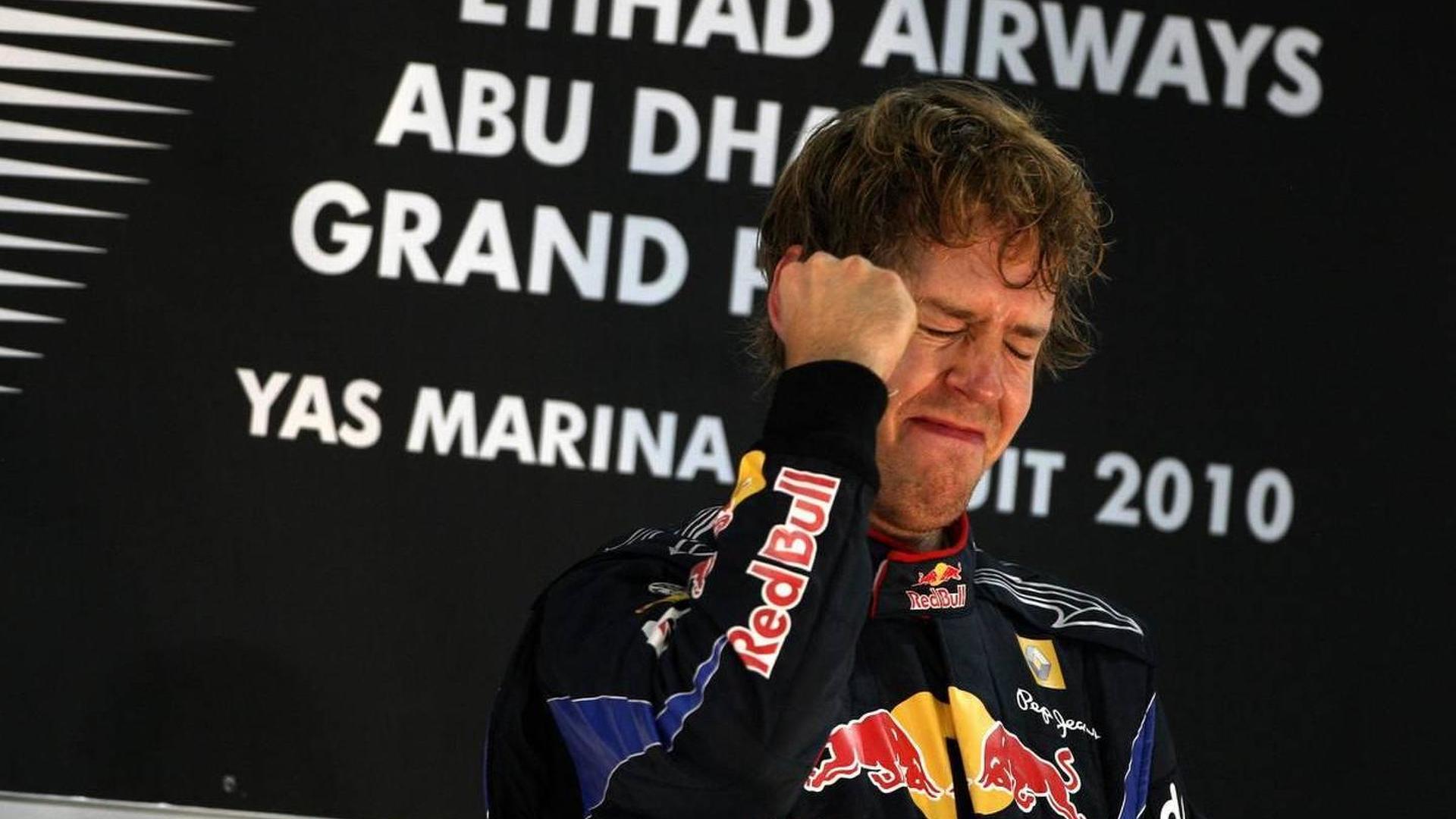 2010-215873-sebastian-vettel-ger-red-bull-racing-wins-the-race-formula-1-world-championsh1.jpg