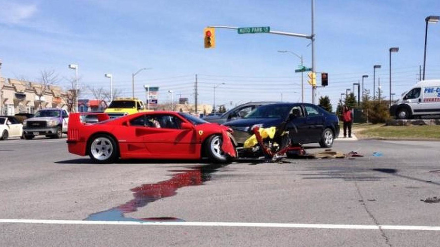 Dodge Dart runs a red light and smashes into Ferrari F40 [videos]