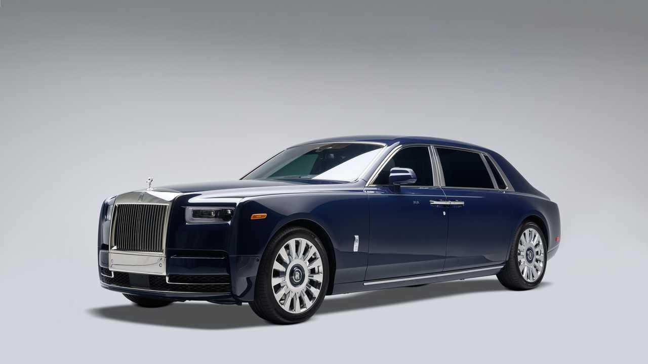 Rolls-Royce Phantom Extended с отделкой из дерева коа