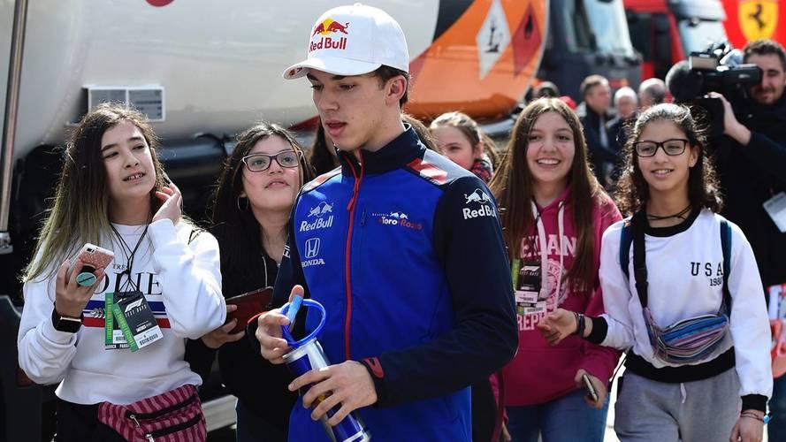 Pierre Gasly, Scuderia Toro Rosso con fans