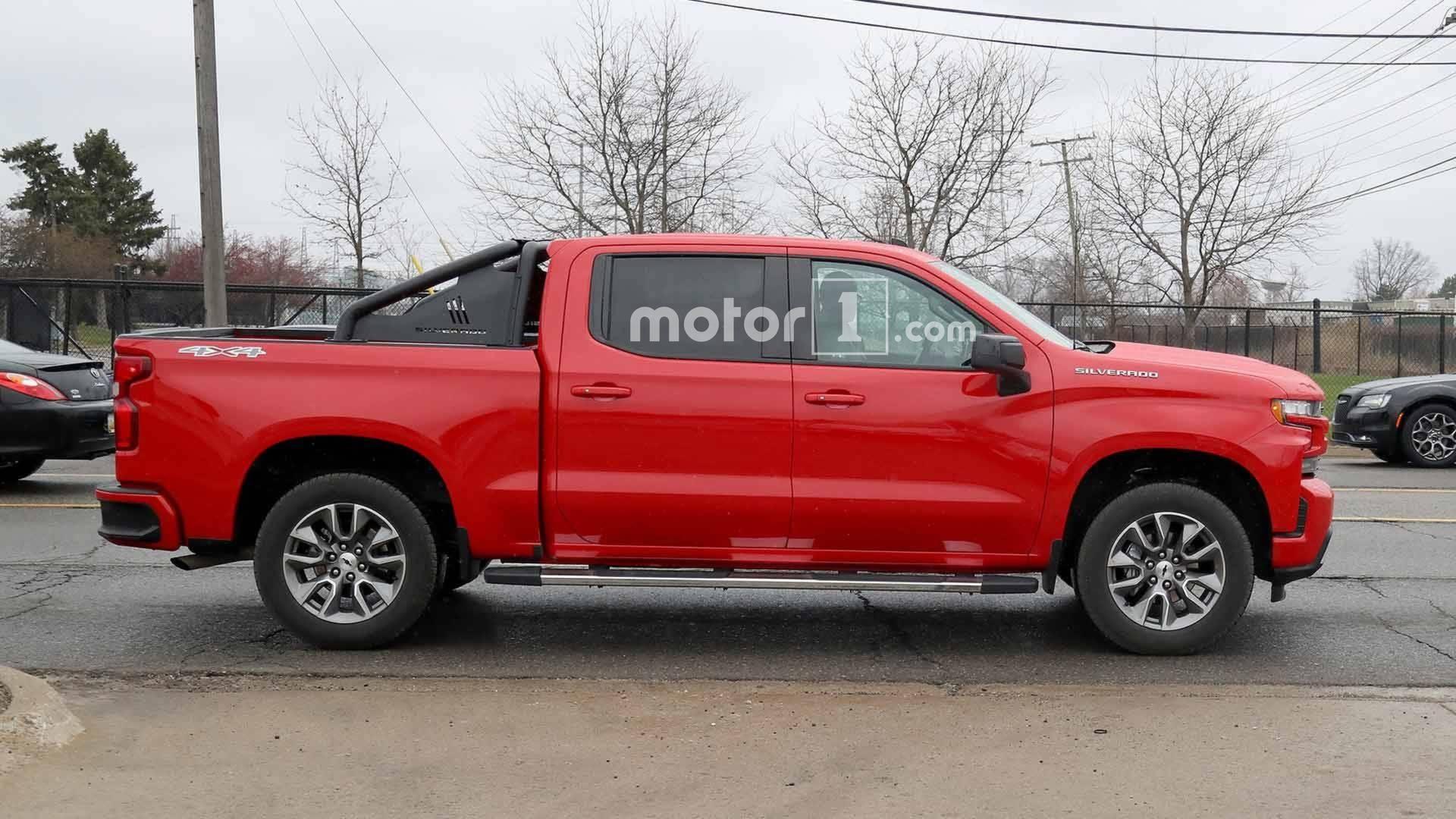 2019 Chevrolet Silverado Rst Looks Sporty In Spy Photos