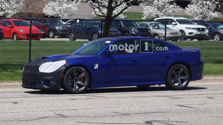 2019 Dodge Charger SRT Hellcat Casus Fotoğraflar