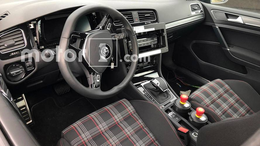 Volkswagen Golf 8  - Flagra