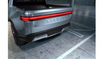 H. Rivian_R1T_Tailgate_Closed