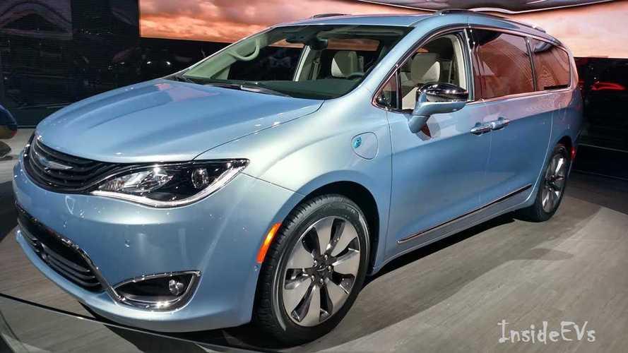 General Chrysler Pacifica Hybrid Arrives 700 Patient Customers Get Bonus