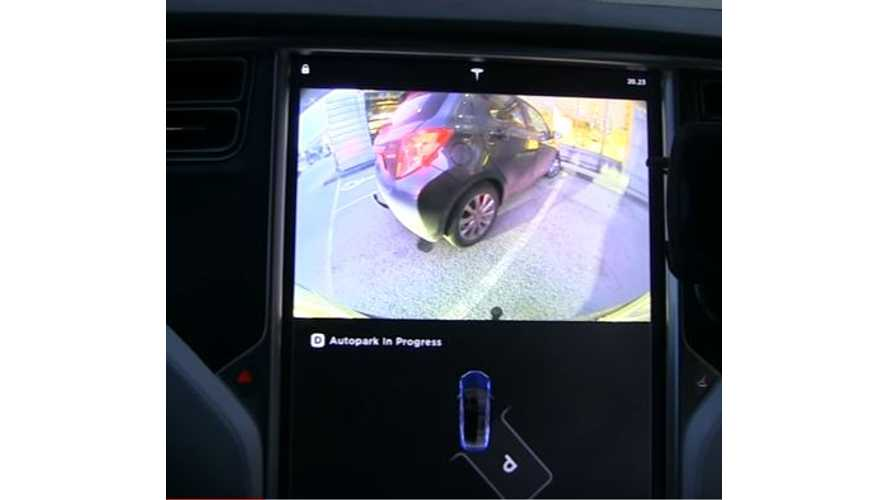 Automatic Perpendicular Parking In A Tesla Model X - Video