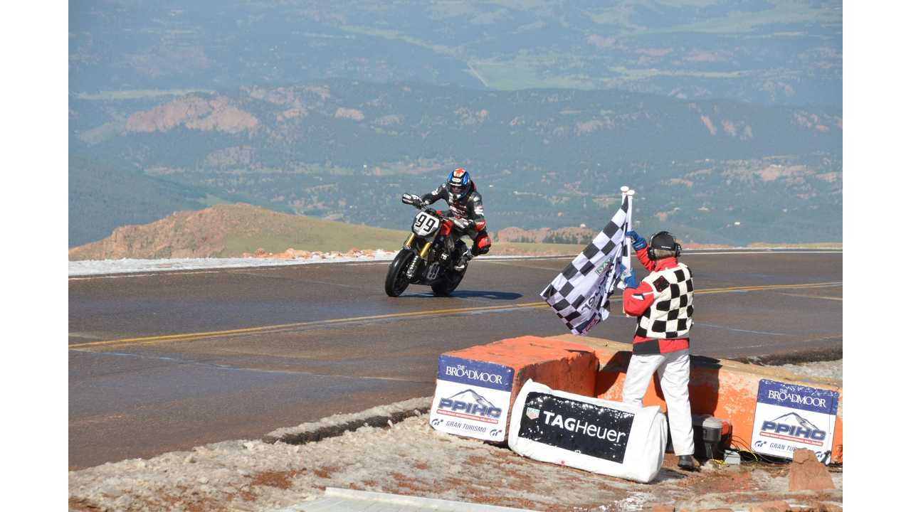 Fastest Electric Motorcycle At 2016 Pikes Peak - Victory Empulse RR (Full Race Video)