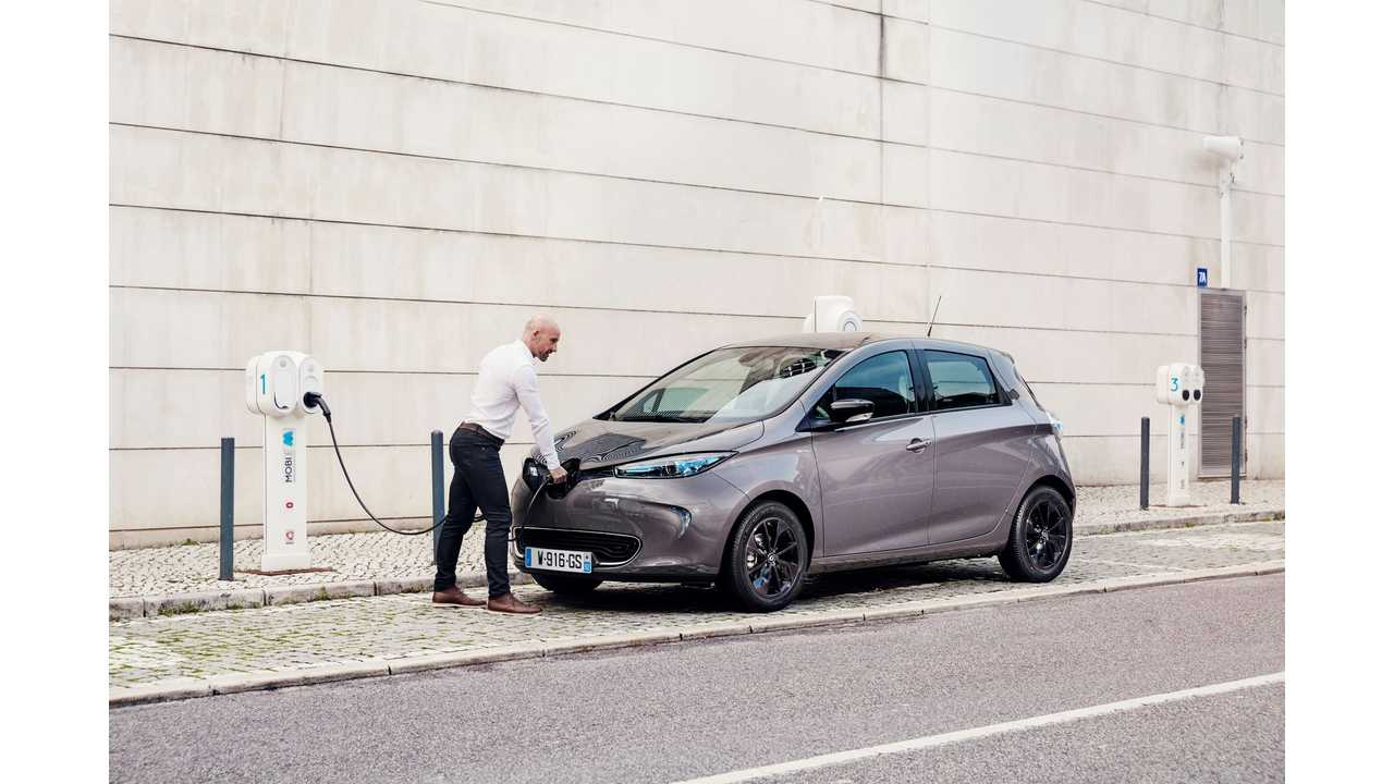 Renault ZOE To Be Ready For CCS Combo DC Fast Charging By 2019