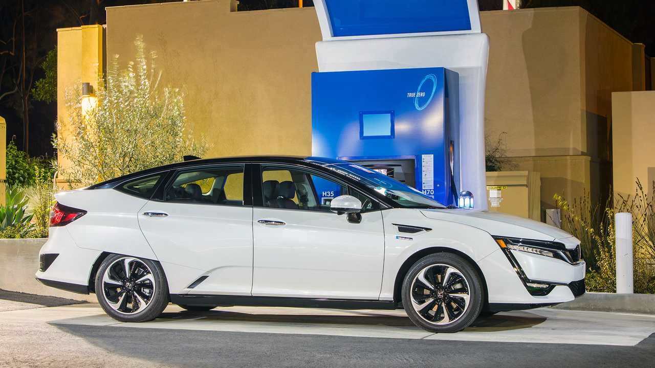 Refueling The Clarity Fuel Cell Takes Less Than Five Minutes