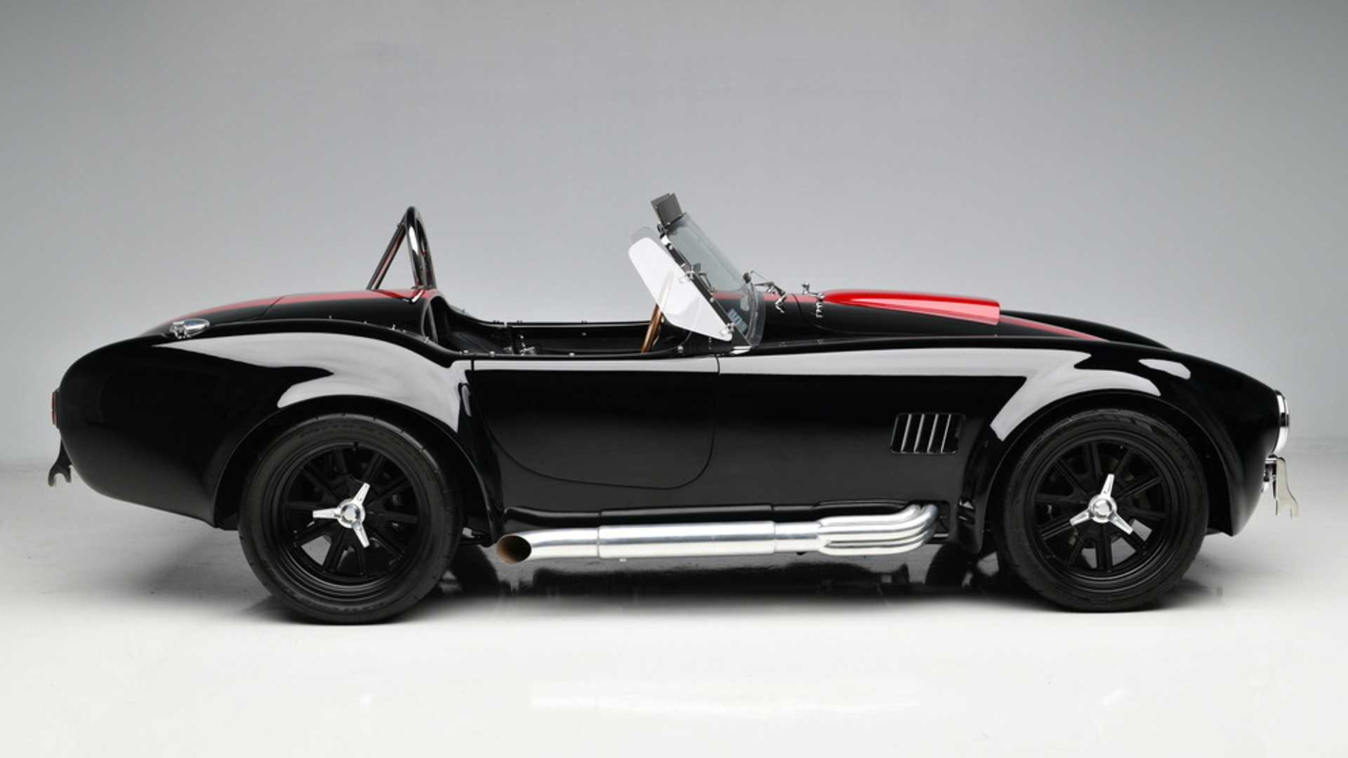"""[""""Light Up The Night With This 1965 Shelby Cobra""""]"""