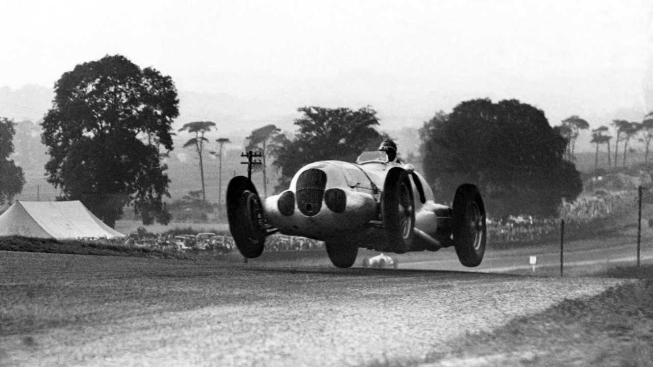 LAT Archive: incredible pictures of pre-war Donington Park racing