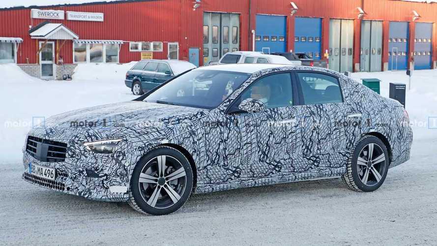Nuova Mercedes Classe C, continuano i test per la berlina tedesca
