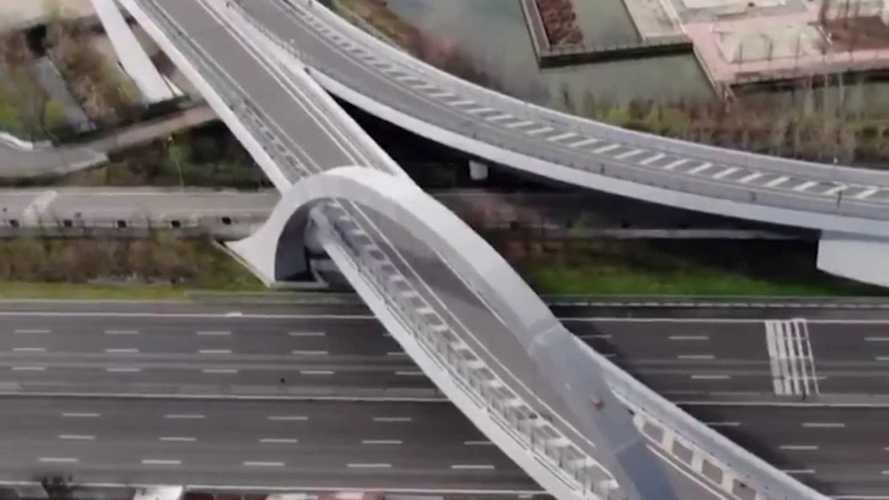 Katasztrófafilmekbe illő, ahogy az olasz autópályák most kinéznek (videó)