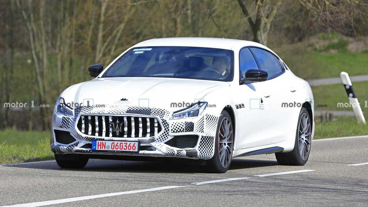 Maserati Quttroporte faceliftes kém fénykép