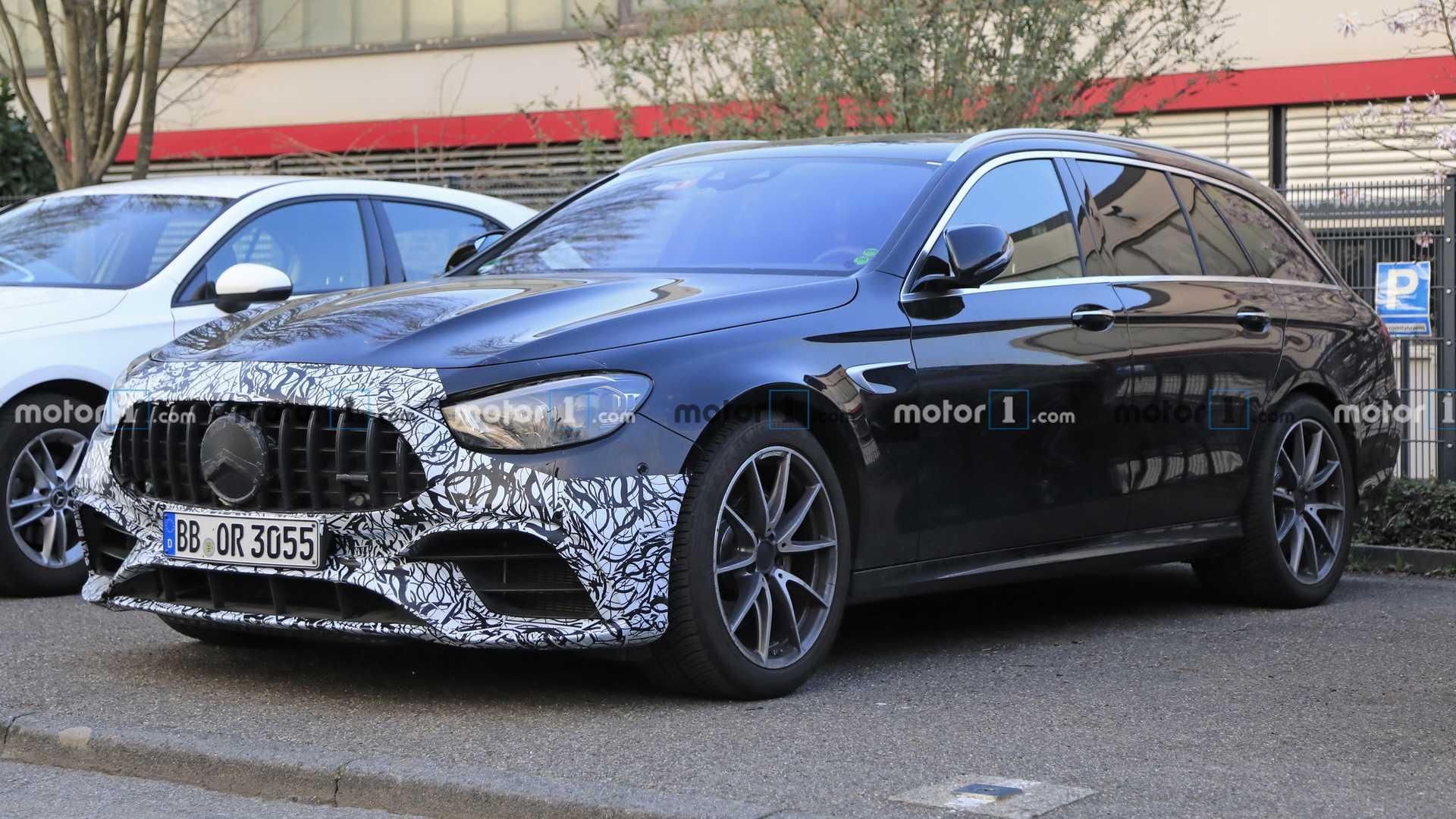 2020 - [Mercedes-Benz] Classe E restylée  - Page 6 2021-mercedes-amg-e63-wagon-facelift-spy-photo