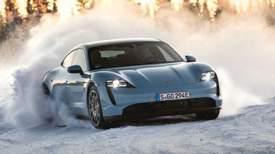 Porsche Taycan 4S, conduciendo sobre hielo en el Círculo Polar Ártico
