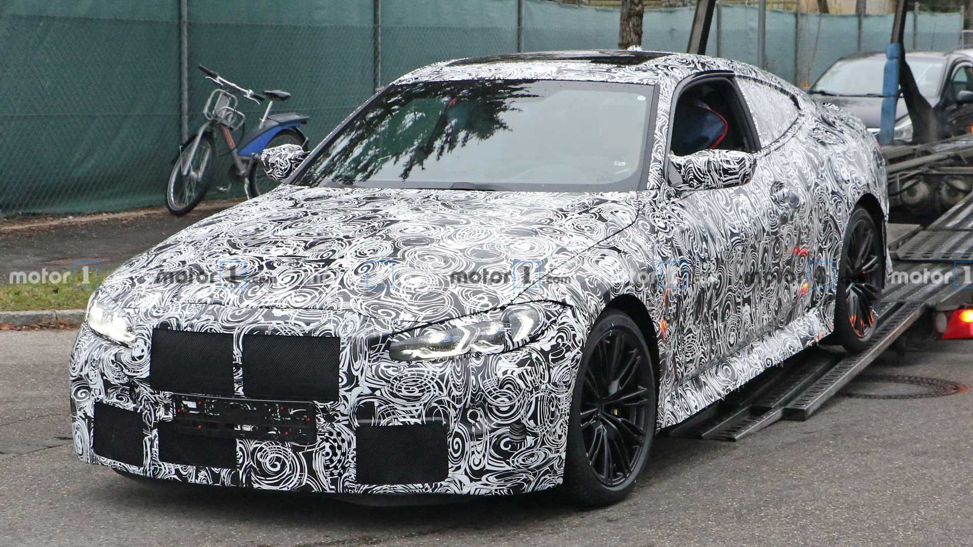 2021-bmw-m​4-new-spy-​photo