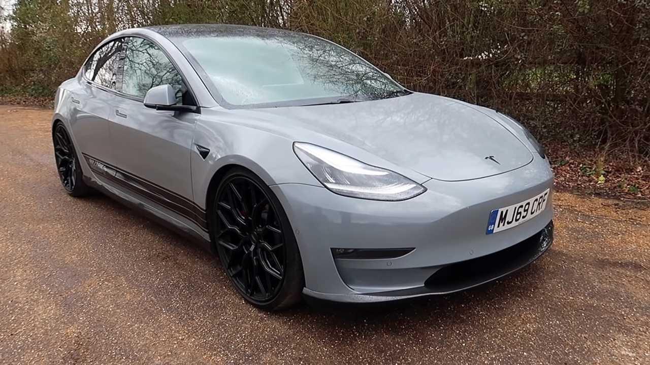 Tesla Model 3 Milltek Faux Motor Hangok