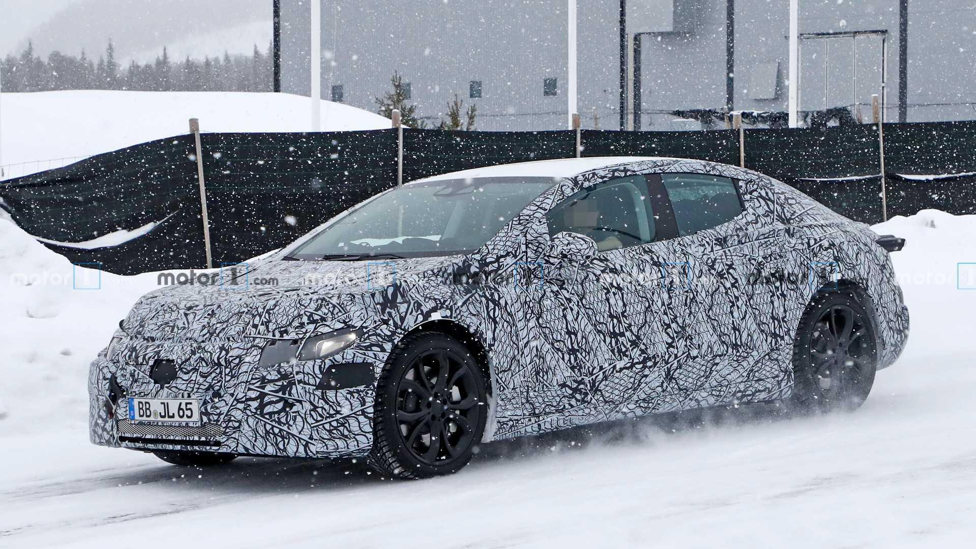 2021 - [Mercedes-Benz] EQE Mercedes-eqe-or-eqs-spy-photo