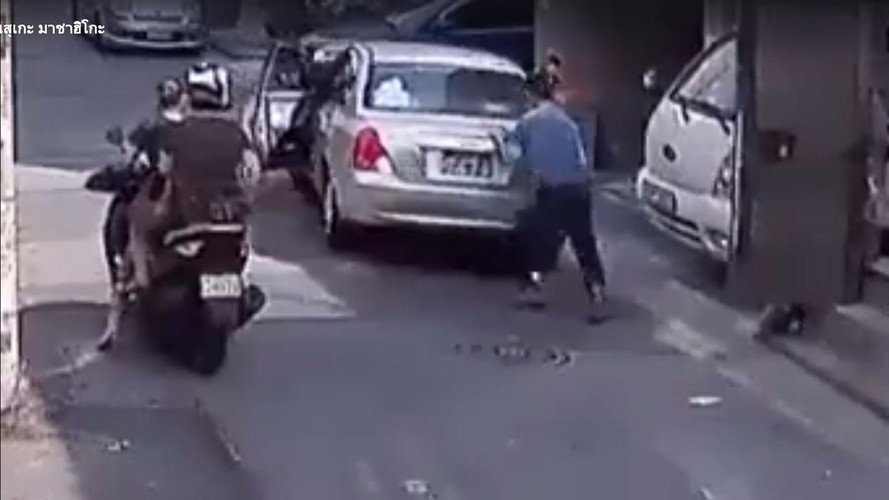 Good Samaritan Saves Runaway Car By Crashing It