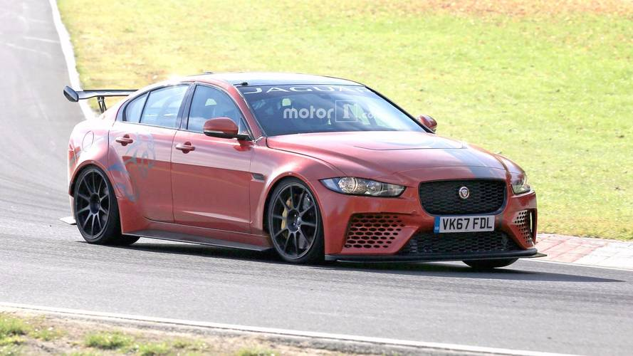 Jaguar XE SV Project 8 yine Nürburgring'de turluyor