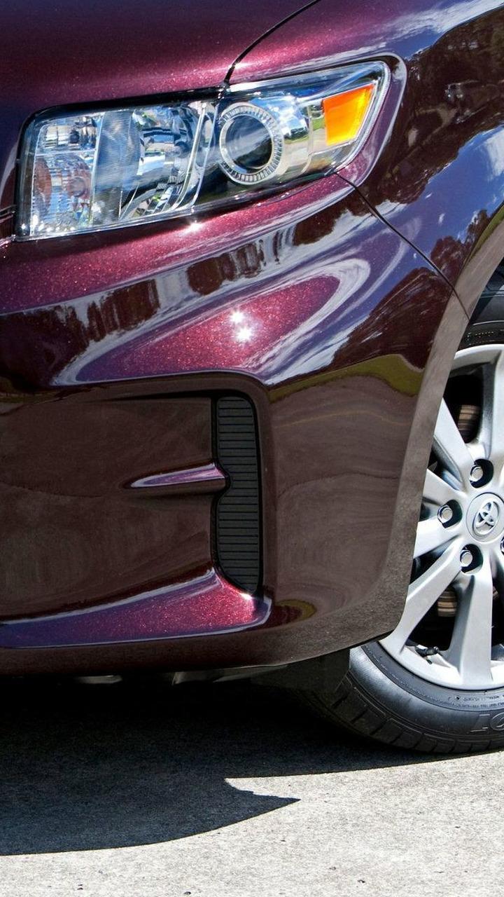 2010 Toyota Rukus teaser 10.03.2010
