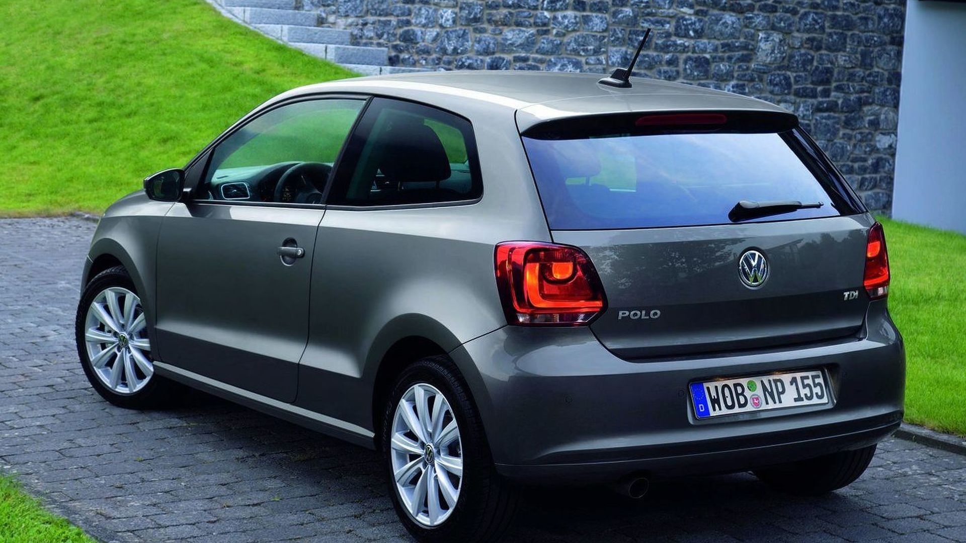 volkswagen polo wins 2010 world car of the year award. Black Bedroom Furniture Sets. Home Design Ideas