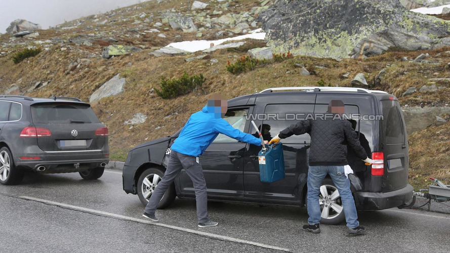 2015 Volkswagen Caddy runs out of gas, testers get testy with our spies