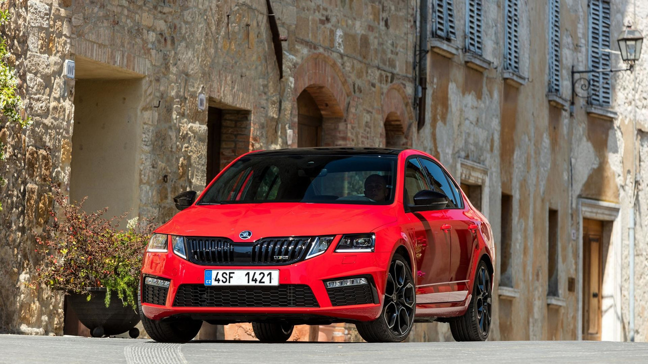 Skoda Octavia Rs 245 Challenge Plus Package Announced