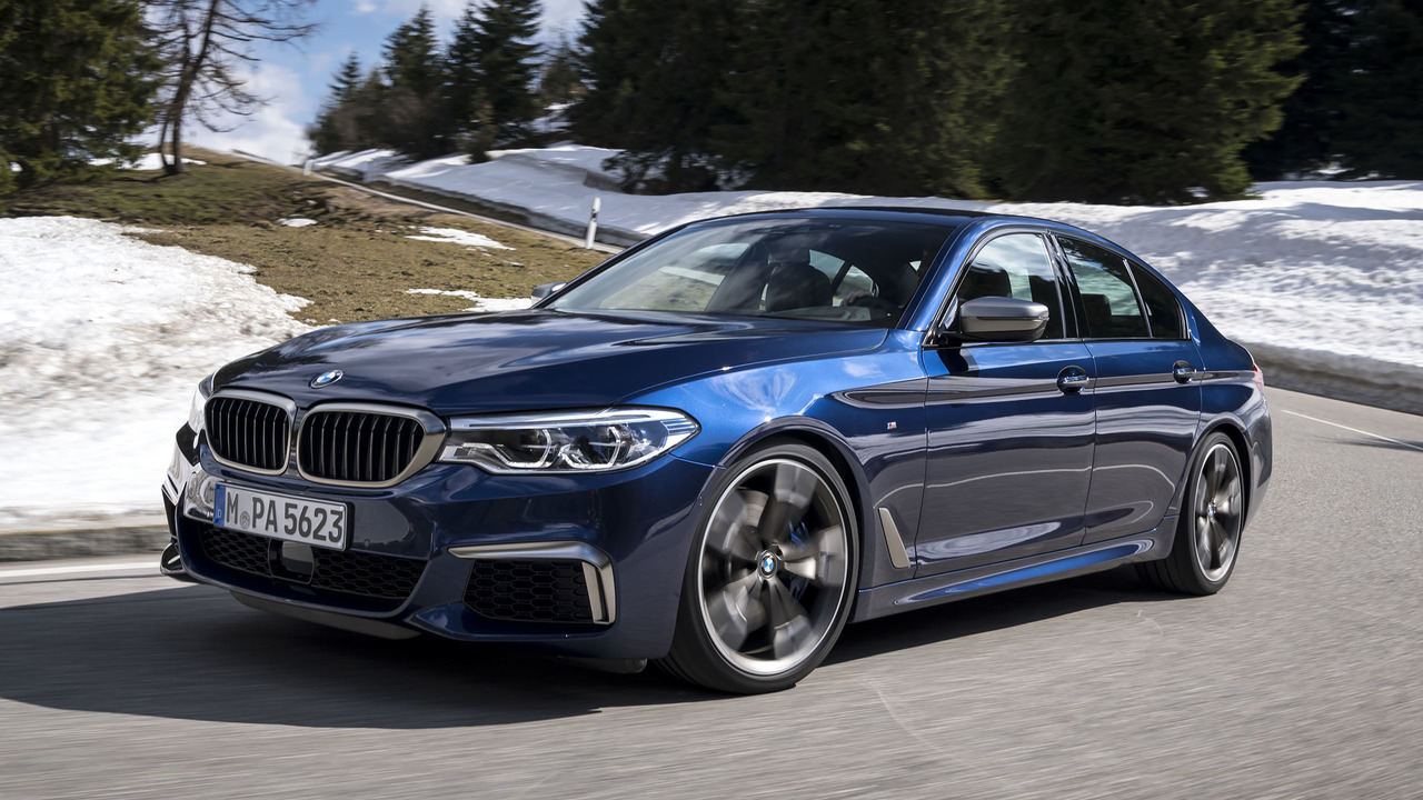 2020 BMW 550I Photos