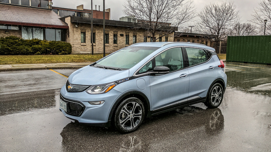 Chevrolet Bolt chega mais longe do que Tesla Model S, diz revista