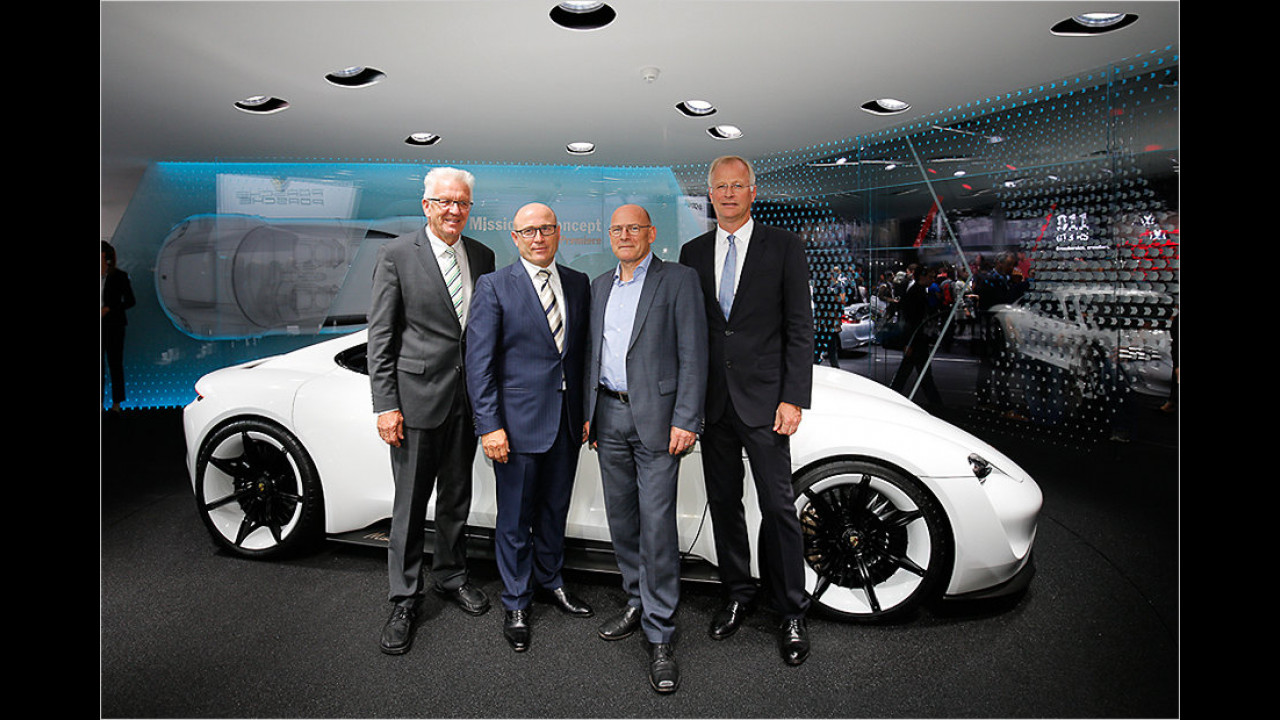 Winfried Kretschmann: Porsche auf der IAA 2015