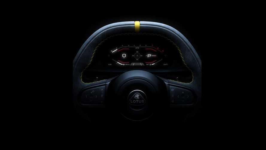 El nuevo Lotus Emira deja ver su volante e instrumentación