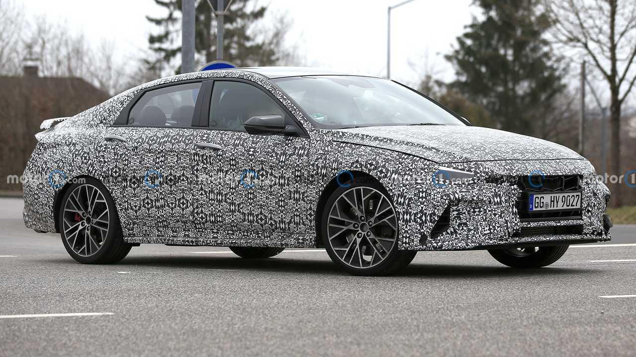 Hyundai Elantra N, le foto spia