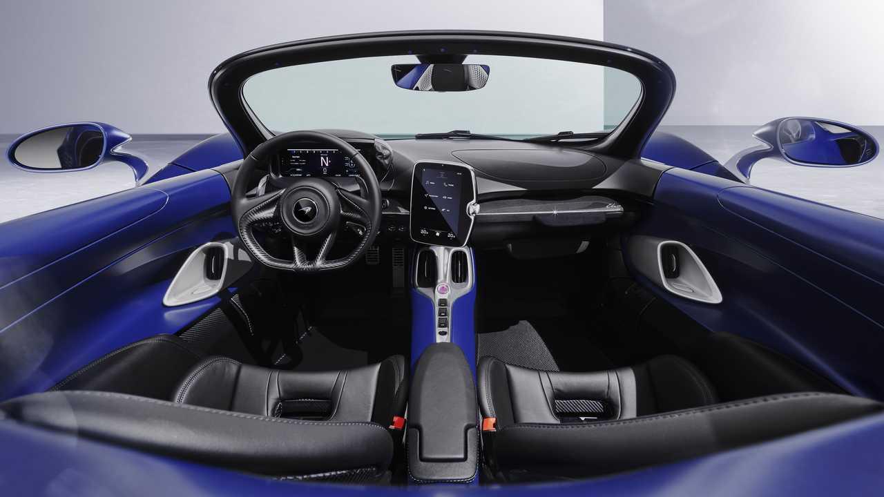 McLaren Elva с ветровым стеклом